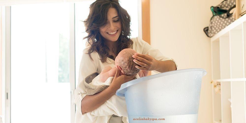 Jasa Memandikan Bayi Baru Lahir di Solo